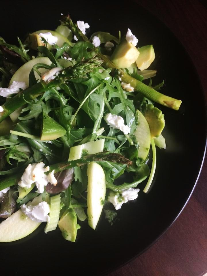 apple-goats-cheese-salad