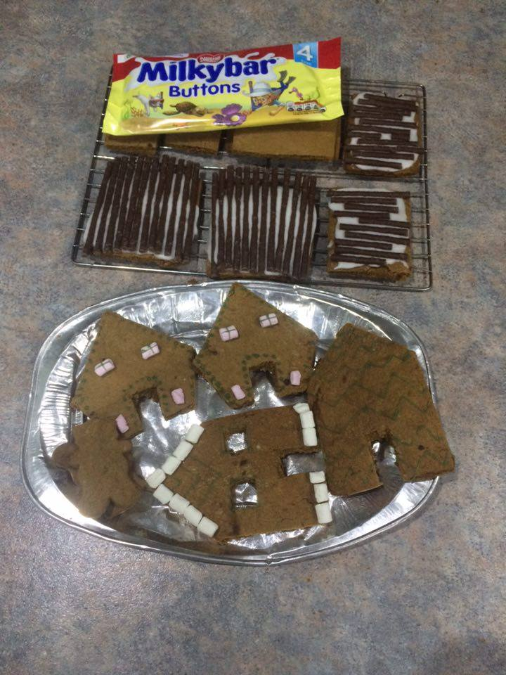 how-to-bake-gingerbread-house