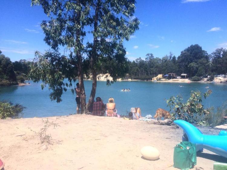 black-diamond-lake-australia