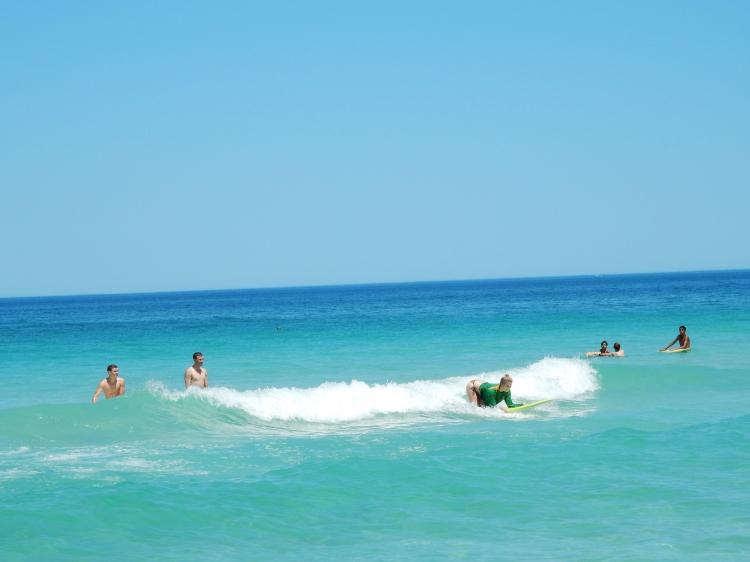 travel-blogger-australia-surfing