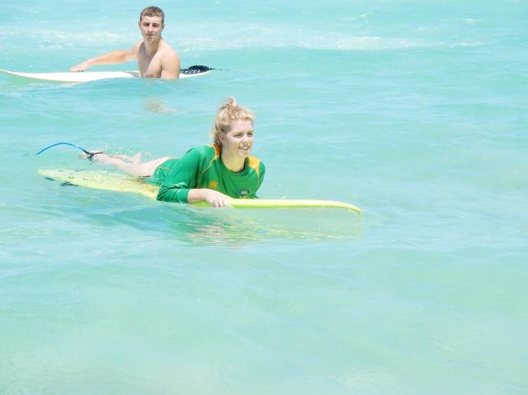 travel-blogger-surfing