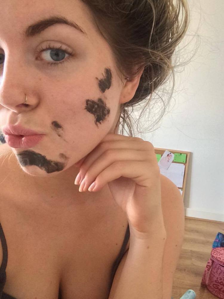 skin-care-blogger-mud-mask